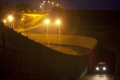 p17 - BorderFenceCA_USMeXUP