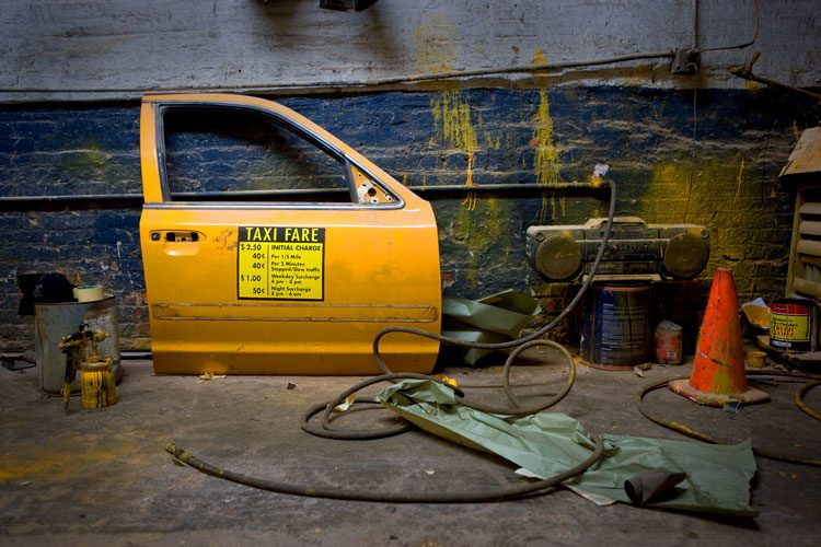 Taxi Door Spray Shop : NYC : USA