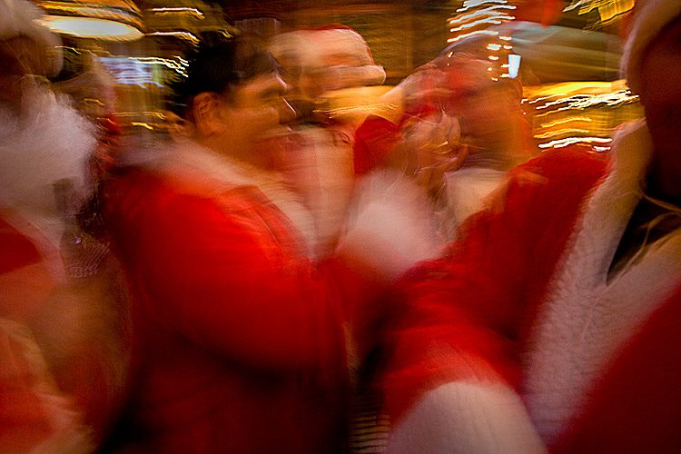 Happy Holidays : SantaCon Pub Crawl : Manhattan NYC