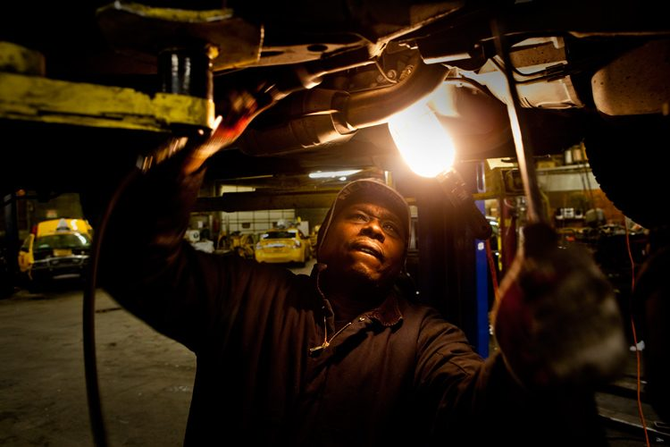 Taxi Mechanic Ray Fixing a Crown Victoria : Queens : NYC