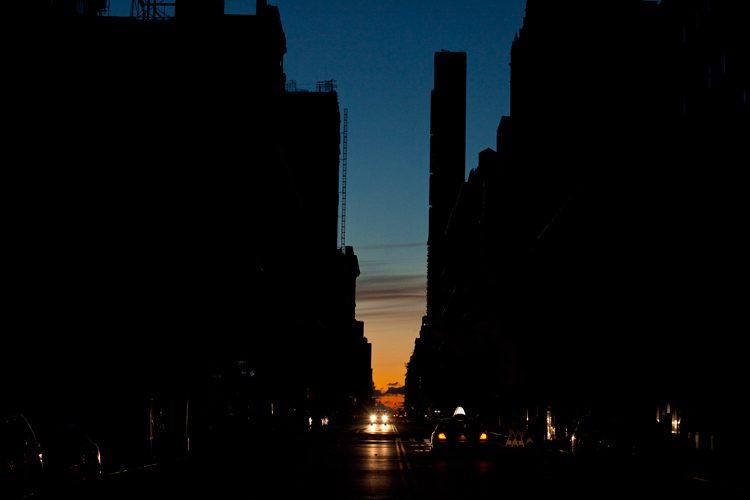 Dawn in Blackout Manhattan : 23rd St : NYC