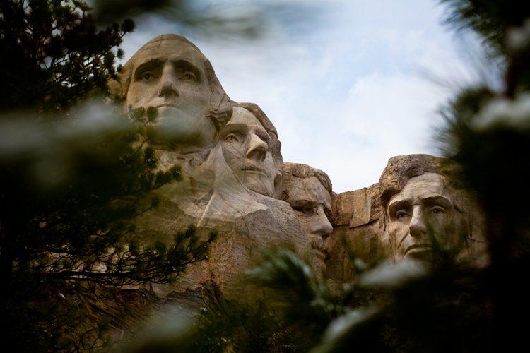 Mount Rushmore : Disapproving Glance : South Dakota